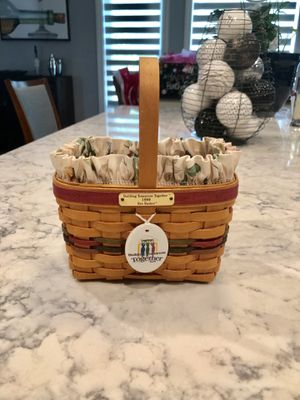 "Longaberger 1999 Bee Basket ""Building Tomorrow Together"" for Sale in Strongsville, OH"