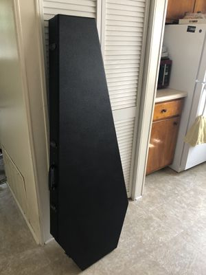 Coffin Bass Guitar Case for Sale in Arbutus, MD