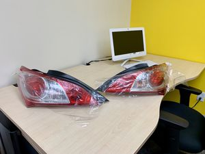 Tail Light 2010-2011-2012 Hyundai Genesis Coupe OEM Complete (ready to use). Luces traseras Hyundai for Sale in Santa Ana, CA