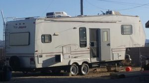 $5000 fifth wheel for Sale in Littlerock, CA