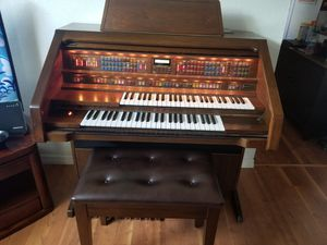 Lowrey electric organ for Sale in Lutz, FL