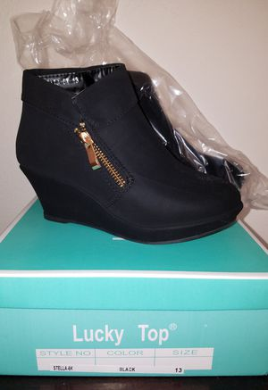Brand new never used girls short booties size 13 boots for Sale in Renton, WA