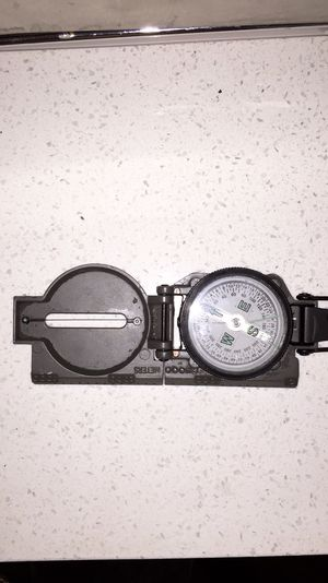 Hiking tool compass survival 101 doomsday preppers compass tool rei for Sale in Santa Monica, CA