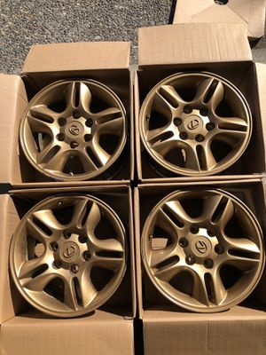 Lexus GX470 OEM wheels used...bronze for Sale in Kent, WA