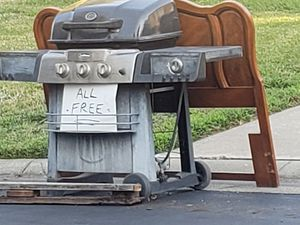Free grill free couch for Sale in Chico, CA
