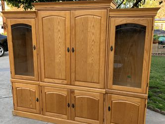 Large Solid Oak Entertainment Center Tv Stand Cabinet for Sale in Anaheim,  CA