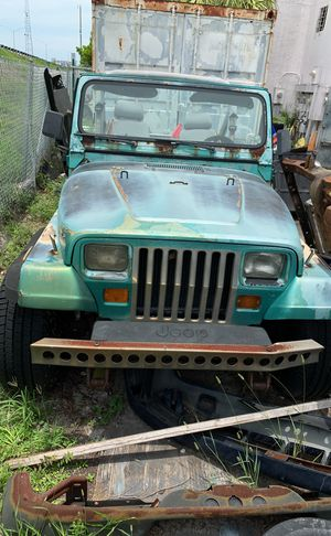 1988 Jeep Wrangler 4wd green Chevy v8 needs work doesn't run for Sale in Delray Beach, FL