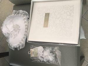 Wedding accessories - guest book & ring pillow for Sale in Glenn Dale, MD