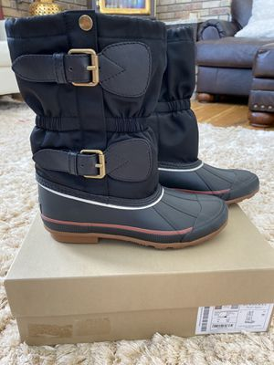 New Burberry Snowboots for Sale in Centennial, CO
