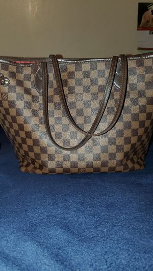 Louis Vuitton Damier Neverfull hang bag for Sale in Fontana, CA
