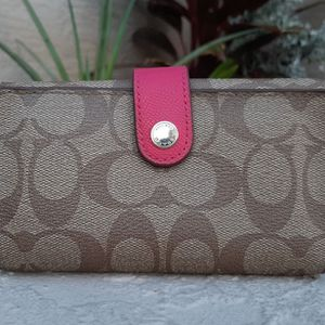Coach Signature Pink & Khaki Wallet for Sale in Lake Placid, FL
