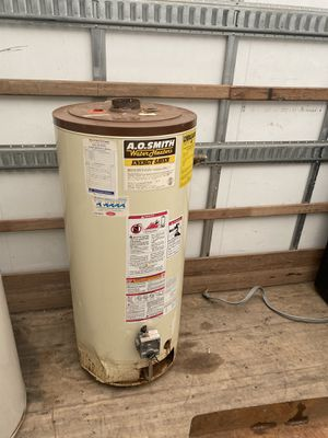 Cheap gas water heater no LEAKS 30 day warranty for Sale in Euclid, OH