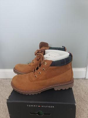 Tommy Hilfiger boots- women for Sale in Knightdale, NC