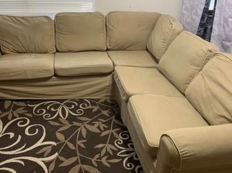 Beige Sectional Sofa Couch with Washable Slipcover - Free Delivery 🚚 (within reasonable distance) for Sale in Missouri City,  TX