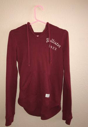 hollister hoodie with fur hood, maroon for Sale in Union City, CA