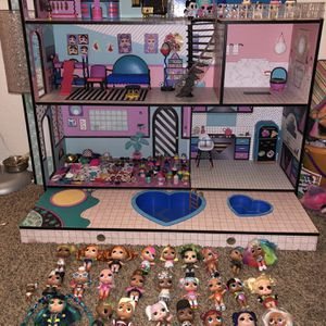 LOL Dollhouse. DOLLS INCLUDED for Sale in Upland, CA