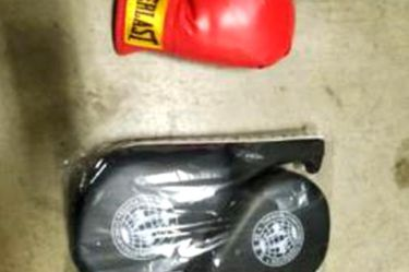 Everlast 16 Oz. Boxing Gloves and Hand Wraps for Sale in Seattle,  WA