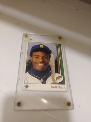 Ken griffey jr. Rookie baseball card for Sale in Woodlyn, PA