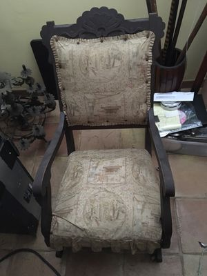 Antique rocking chair $175 for Sale in Mulberry, FL