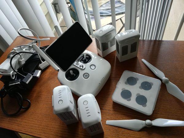 Crashed Phantom 4 Pro Plus Drone + Controller + 4 Batteries