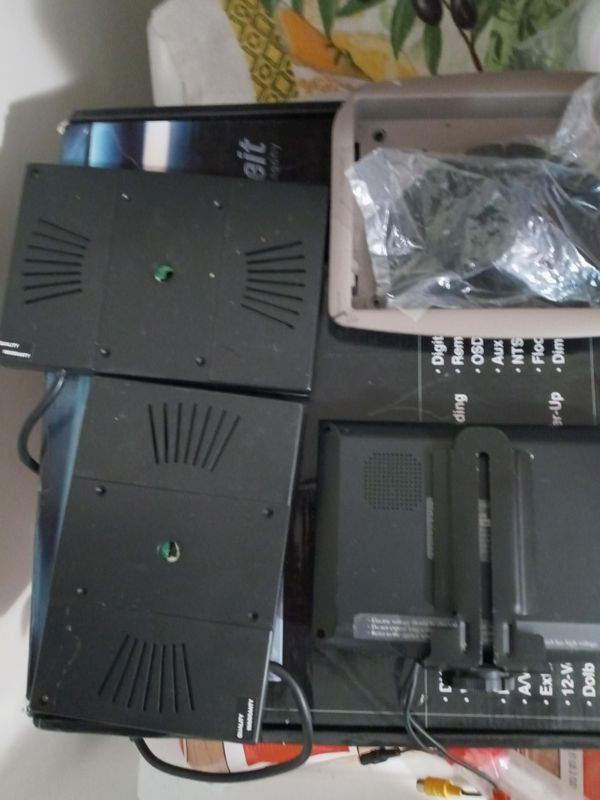 DVD and tvs for car