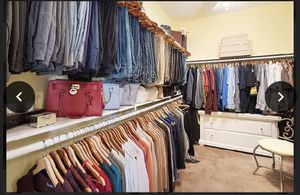 """Over 200 wooden hangars take all for $125 """"make your closet beautiful as you organize💞 for Sale in Corona, CA"""