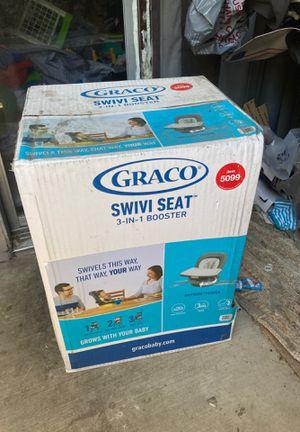 Graco swivi seat 3-in-1 booster for Sale in Oakland, CA