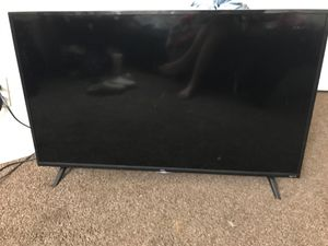 40 inch Roku tv for Sale in Fresno, CA
