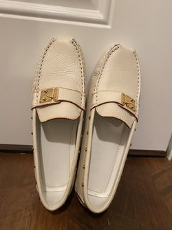 Louis Vuitton Loafer Size 35 1/2 (US 5.5) for Sale in Marysville,  WA