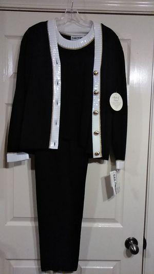 San Remo 3 piece suit brand new, 90%acrylic frise 10%nylon for Sale in Branchville, AL