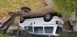 1995 plymouth voyager.parti for Sale in Lodi, CA