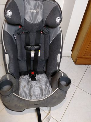 Convertible and reclinable car seat 5 -100 pound for Sale in Pompano Beach, FL