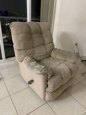 reclining chair for Sale in Miami Beach, FL