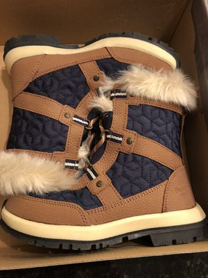 Girls Bearpaw snow boots for Sale in Abington, MA