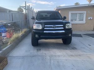 2005 Toyota Tundra 2 WD it's not a 4x4 for Sale in Las Vegas, NV