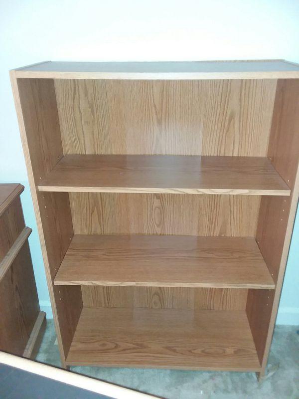 Small shelf / bookcase