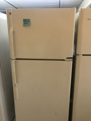 GE TOP FREEZER FRIDGE IN PERFECT CONDITION for Sale in Beltsville, MD
