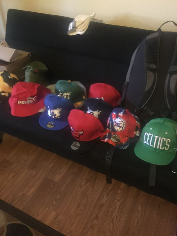 Hat lot of 11