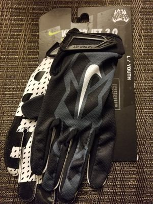 BRAND New Nike Vapor Jet Black Football Gloves Youth Kids Medium, Large for Sale in West Covina, CA