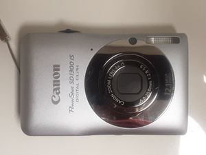 Canon power shot sd1300IS digital camera for Sale in Huntington Beach, CA