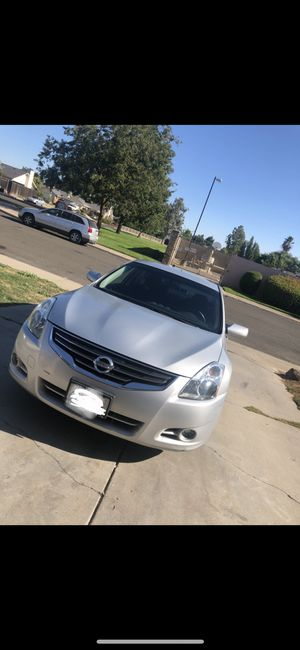 2010 Nissan Altima for Sale in Riverbank, CA