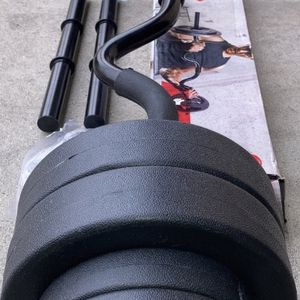 Weights standard 1 inch curl bar and 40lb vinyl dumbbell set for Sale in Walnut, CA