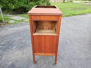 Victrola for Sale in Lorain, OH