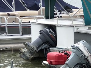 Sweetwater 20 foot pontoon boat. for Sale in Whitmore Lake, MI