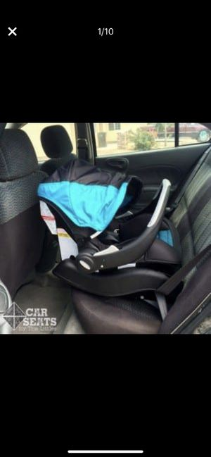 EVENFLO baby car seat LIMITED EDITION for Sale in Nashville, TN