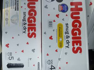Huggies size 4 box 100count for Sale in Cleveland, OH