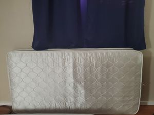 Queen size bed and one twin size bed for Sale in Santa Clara, CA