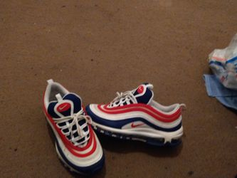 Size 8 Air Max for Sale in New Castle,  DE