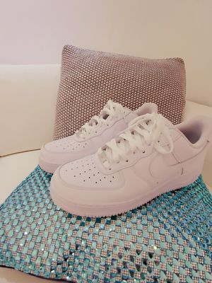 Used Men's Shoe Nike Air Force 1 '07 for Sale in Miami, FL