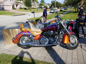 Honda motorcycle custom paint, high performance cams 14k miles for Sale in Orlando, FL